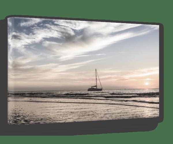 Leinwandbild Yacht – Panorama Ansicht schräg
