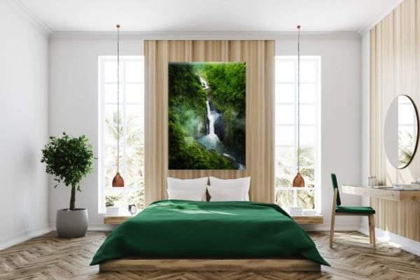 Glasbild Wasserfall im Grünen im Schlafzimmer