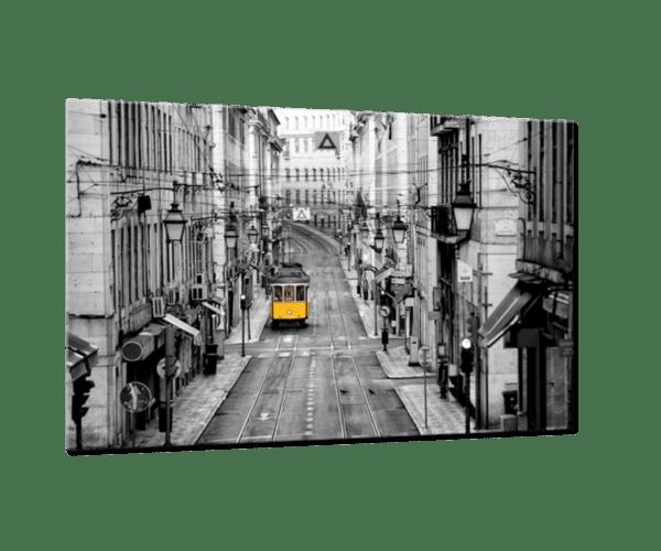 Glasbild Yellow Tram Ansicht schräg