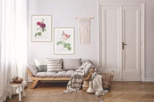 Rahmenbild Pink Rose im Wohnzimmer