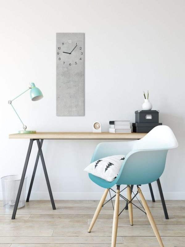 Glasuhr Concrete im Arbeitszimmer