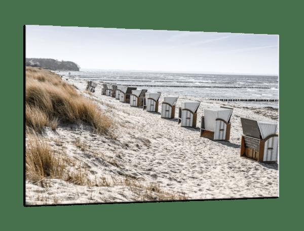 Glasbild Strandkörbe Ansicht schräg