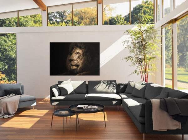 Glasbild Majestic Lion im Wohnzimmer