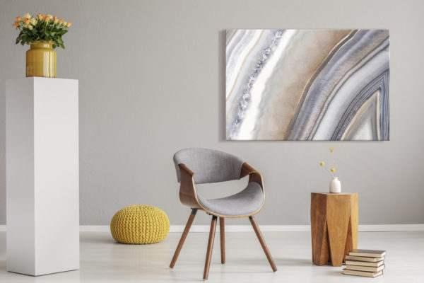 Glasbild Grey Agate im Wohnzimmer