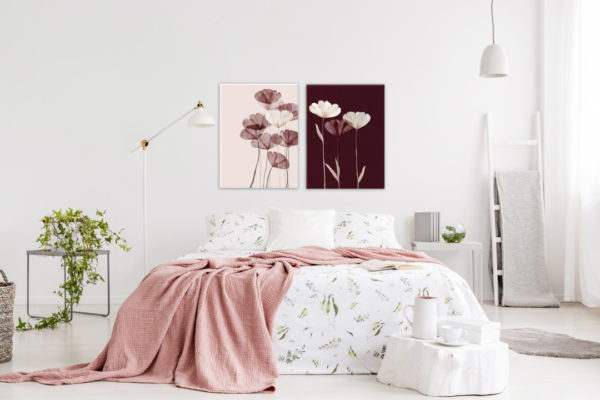 Glasbild Maroon Glam im Schlafzimmer