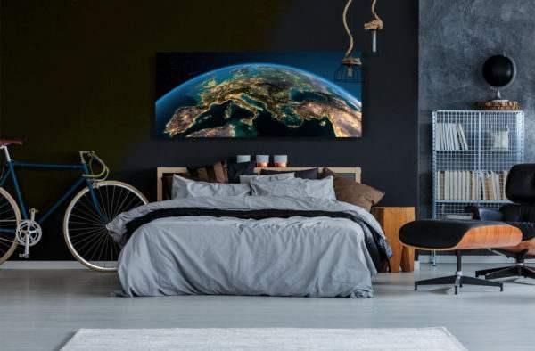Glasbild Globe – Metallic Shining Effect im Schlafzimmer