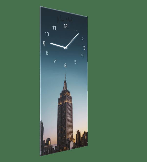 Glasuhr Manhattan Ansicht schräg