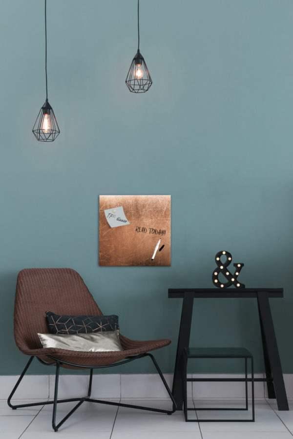 Memoboard Grey Copper im Wohnzimmer