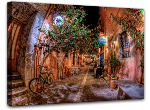 Leinwandbild Mediterrane Gasse Ansicht schräg