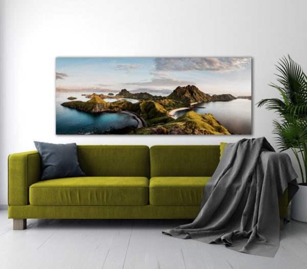 Leinwandbild Komodo – Panorama im Wohnzimmer