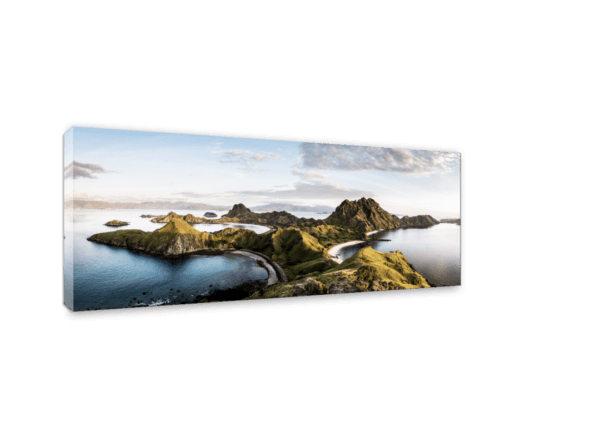 Leinwandbild Komodo – Panorama Ansicht schräg