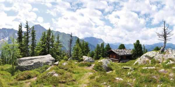 Leinwandbild Waldhütte